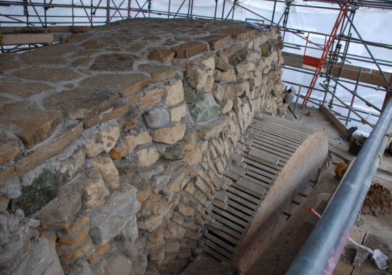 Pontefract Castle, Gascoigne Tower, archwork under construction, wallhead prepared for soft capping