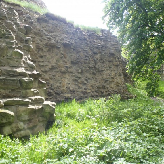 Pontefract Castle, Gascoigne Tower, rear wall after consolidation and rough-racking