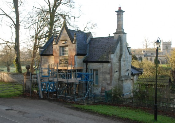 Stoke Rochford South Lodge with propping to porch